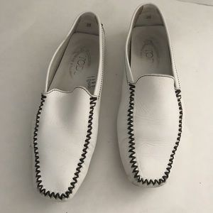 Tod's white driving moccasins